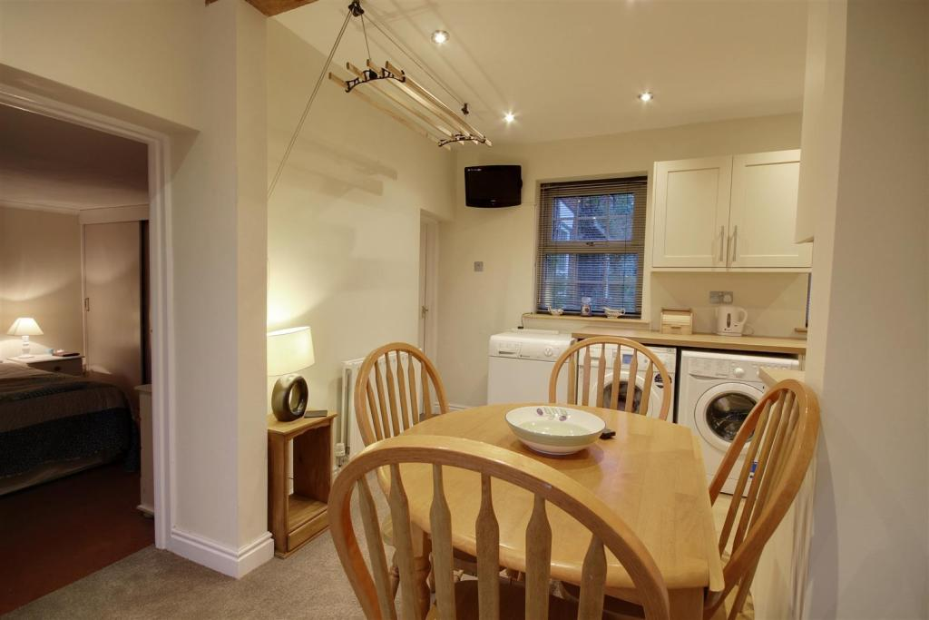 Kitchen (Annexe)