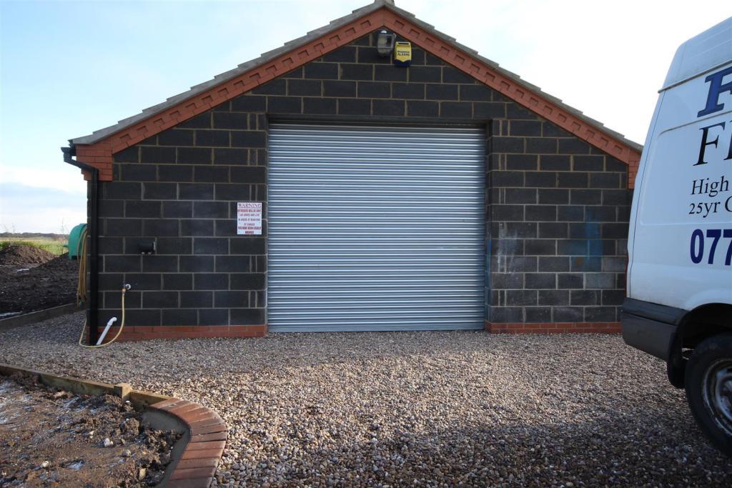 Garage/ Workshop