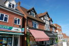 Maisonette to rent in High Road East...