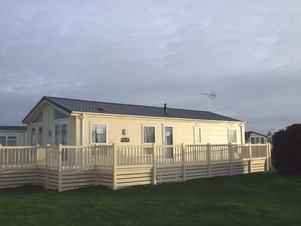 2 Bedroom Park Home For Sale In Naze Marine Holiday Park Walton On The Naze Co14