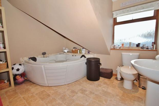 Bathroom - Mai...