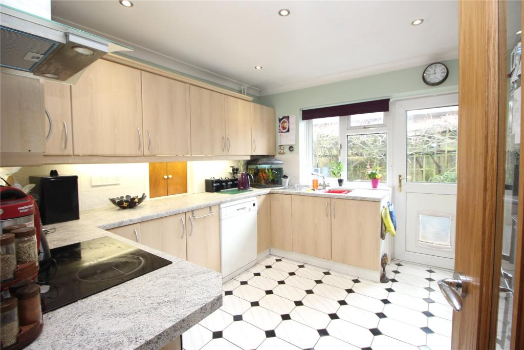 3 bedroom bungalow for sale in st johns woking surrey