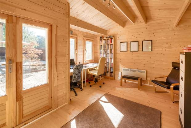 Log Cabin/Office
