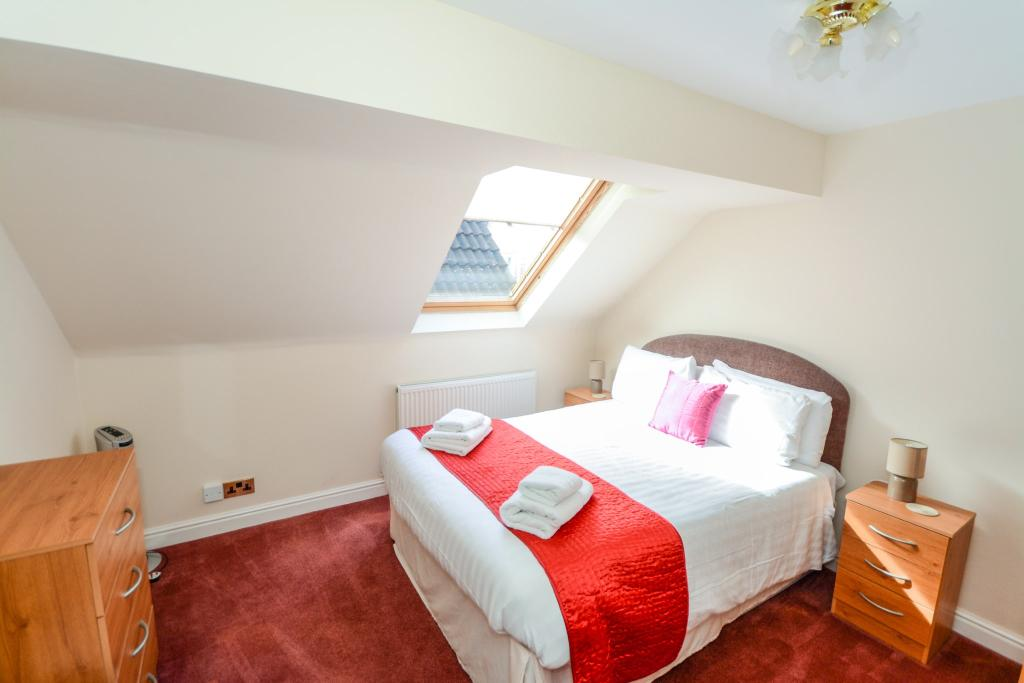Apartment Bedroom Tw