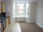 Flat to rent in Maderia Avenue, Worthing