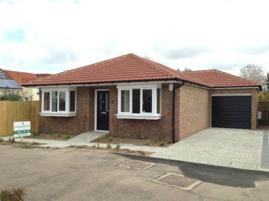 2 bedroom bungalow for sale in lyndsey place cheshunt