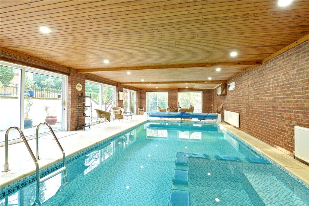 6 bedroom detached house for sale in plantation road leighton buzzard bedfordshire lu7 lu7 for Leighton buzzard swimming pool