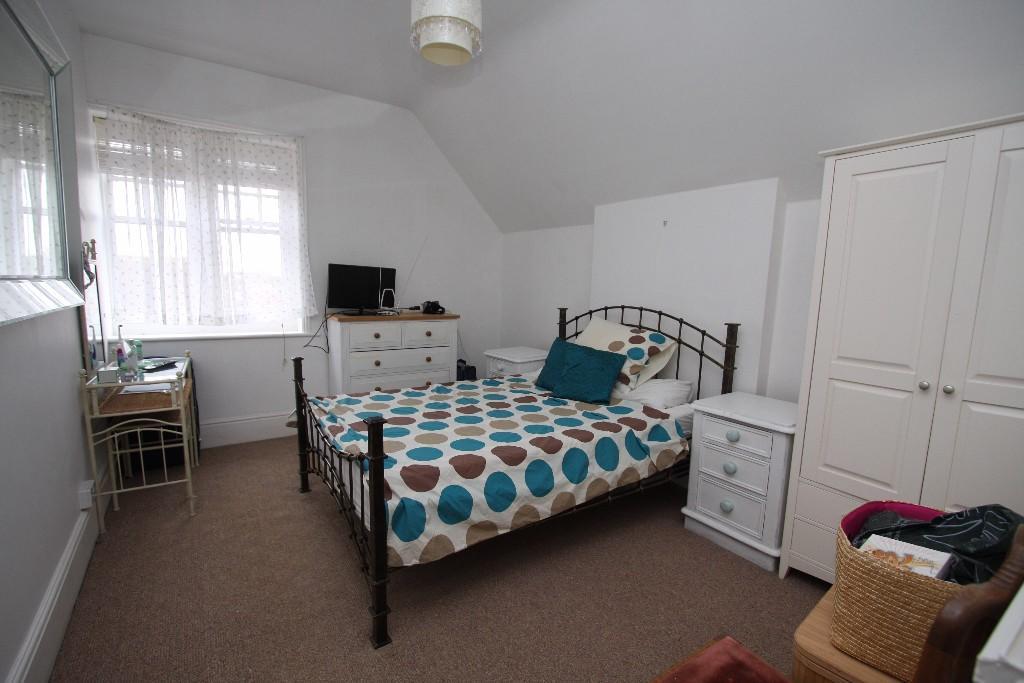 2nd floor bed1