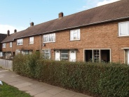 2 bed Flat in Long Cross...