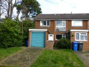 3 bedroom End of Terrace house in Courtfield Drive...