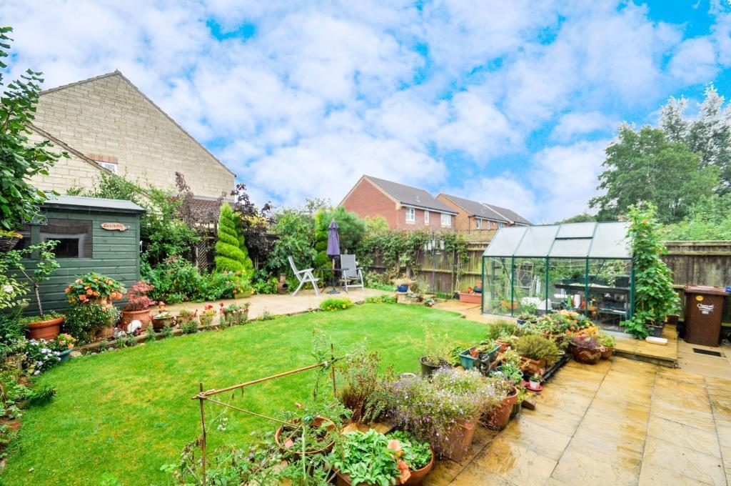 34-rear garden.jpg