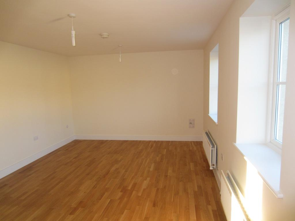2 bedroom flat to rent in philip house southgate bath ba1