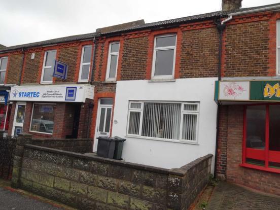 bedroom flat to rent in seaside eastbourne bn22