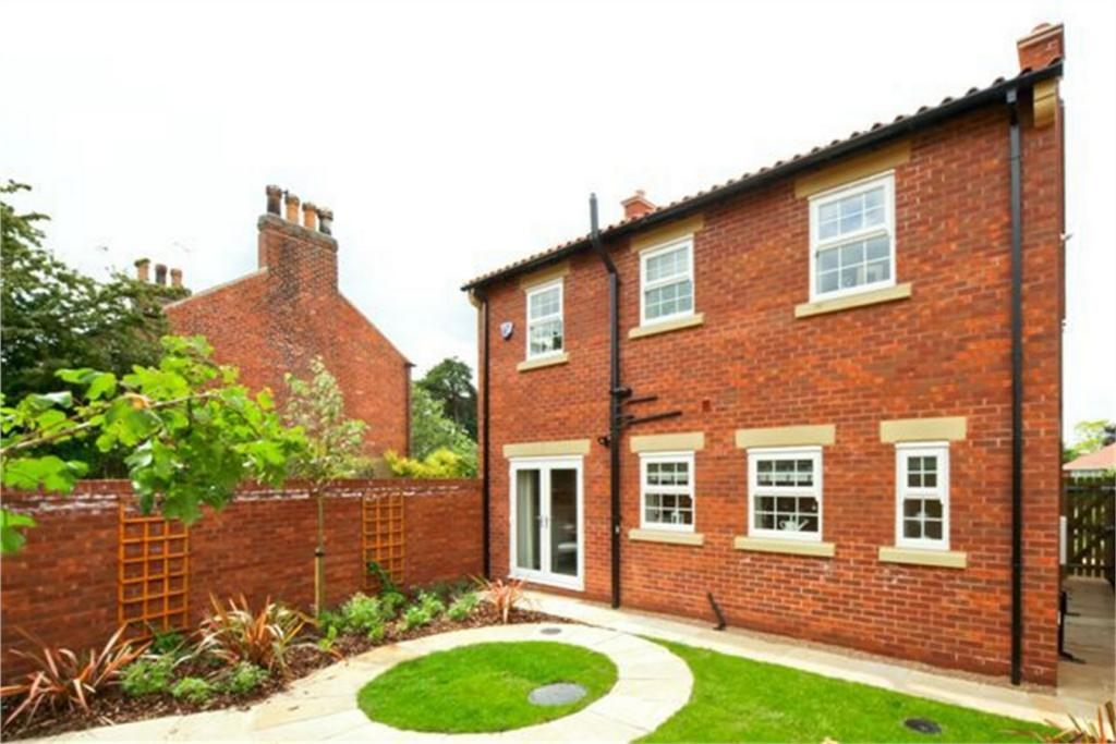 4 bedroom detached house for sale in the hollies old