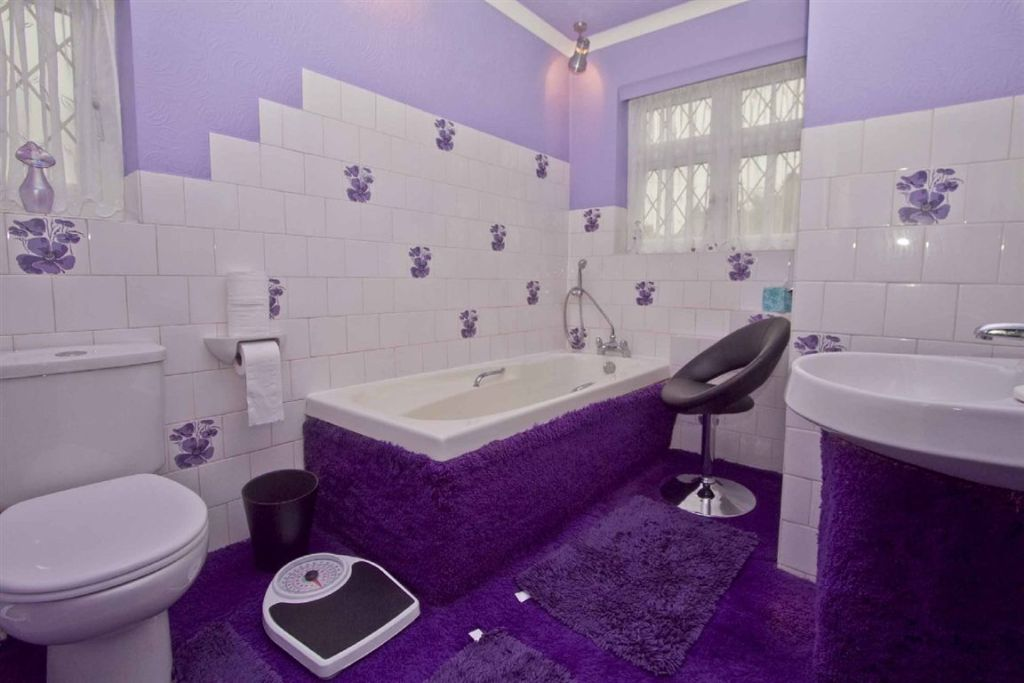 Lilac purple bathroom design ideas photos inspiration for Bathroom ideas rightmove