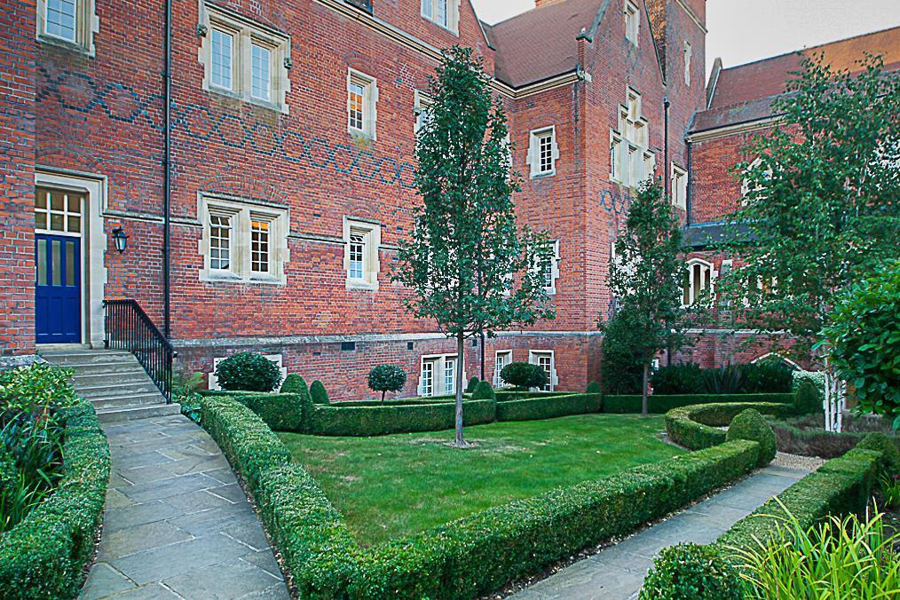 6 Tudor Court latest