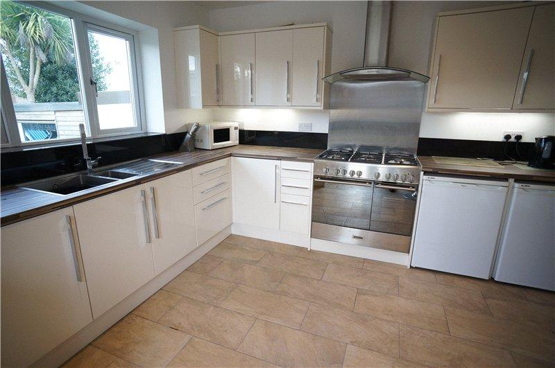 4 bedroom bungalow for sale in villa road higham for G kitchen gravesend