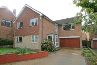 5 bedroom Detached property in Kinnaird Avenue, Bromley...