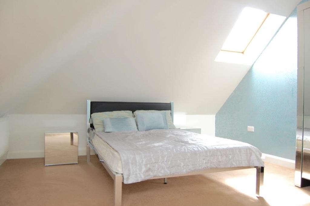 7.Main Bedroom.jpg
