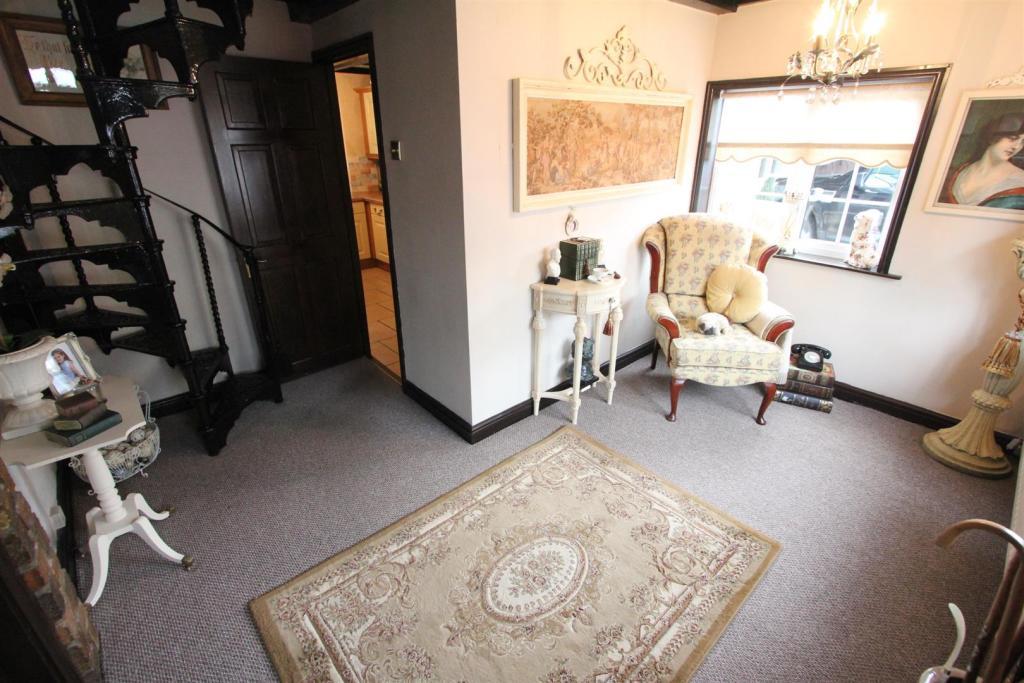 Reception Hallway/Di