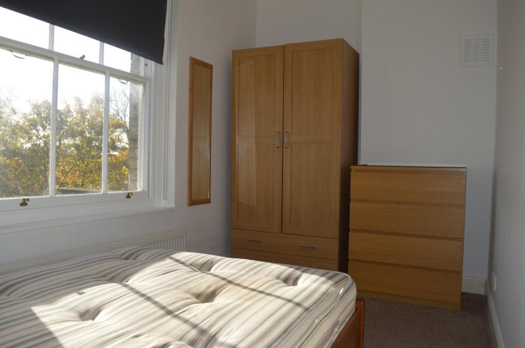 Bedroom Aspect 2