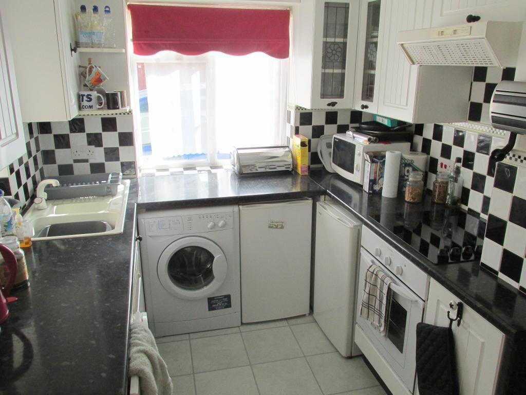 Kitchen with Oven & Hob