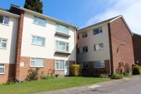 2 bed Flat to rent in Cliveden Close, Preston...