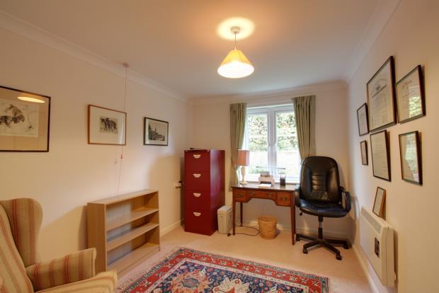 Bedroom 2/ dining room