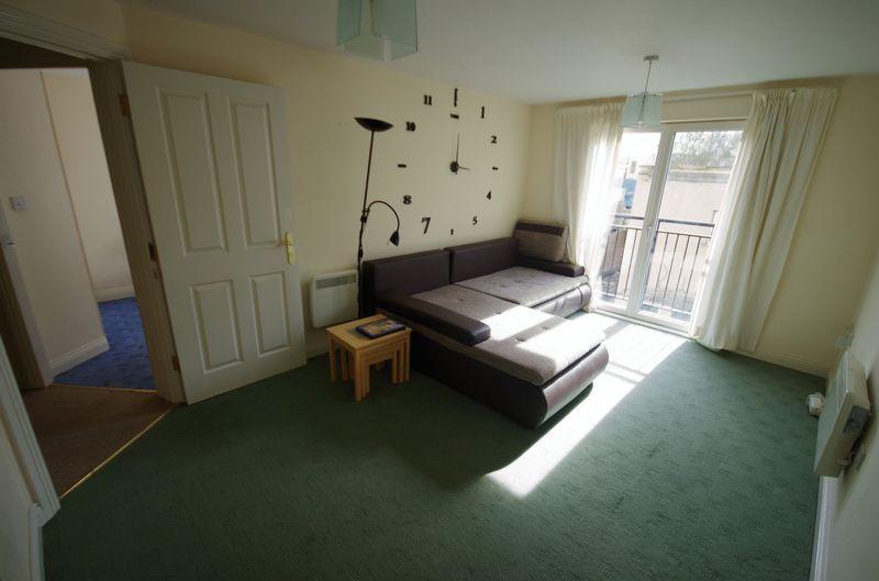Living room (2...