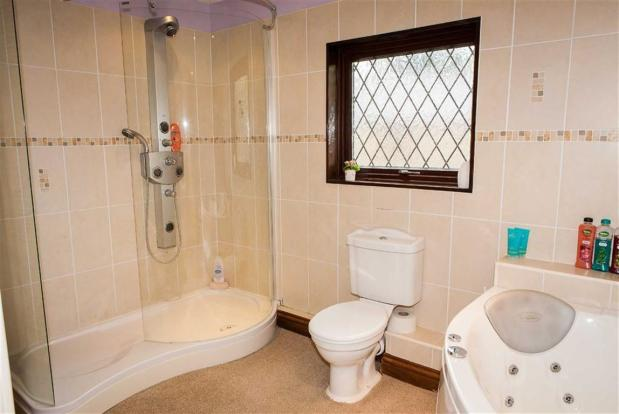 Luxury En-suite Bath