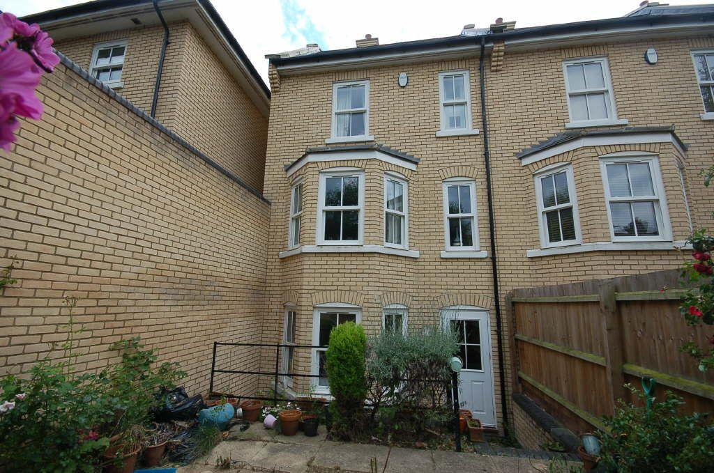 3 bedroom semi detached house for sale in st matthews gardens cambridge cb1 for 3 bedroom house for sale in cambridge