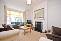 3 bed house in Airedale Road, Ealing...