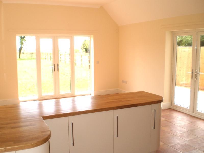 Garage door prices - 4 Bedroom House For Sale In Haycroft Close Warboys Pe28