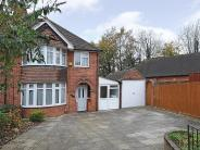 3 bedroom semi detached home to rent in Berkeley Avenue, Reading...