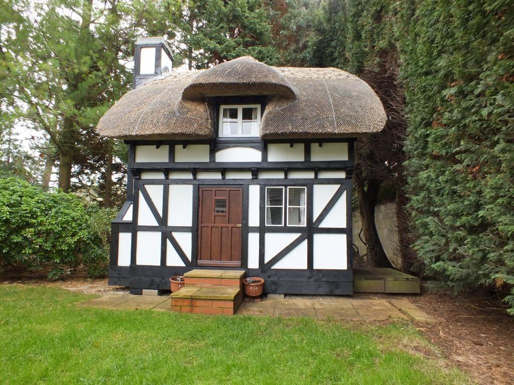 1 Bedroom Detached House For Sale In Shrivenham Sn6