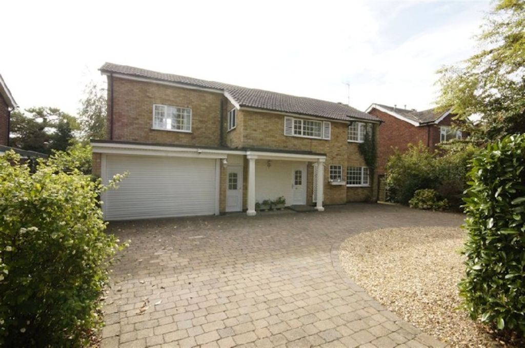 4 Bedroom Detached House For Sale In Sudbrooke Lane