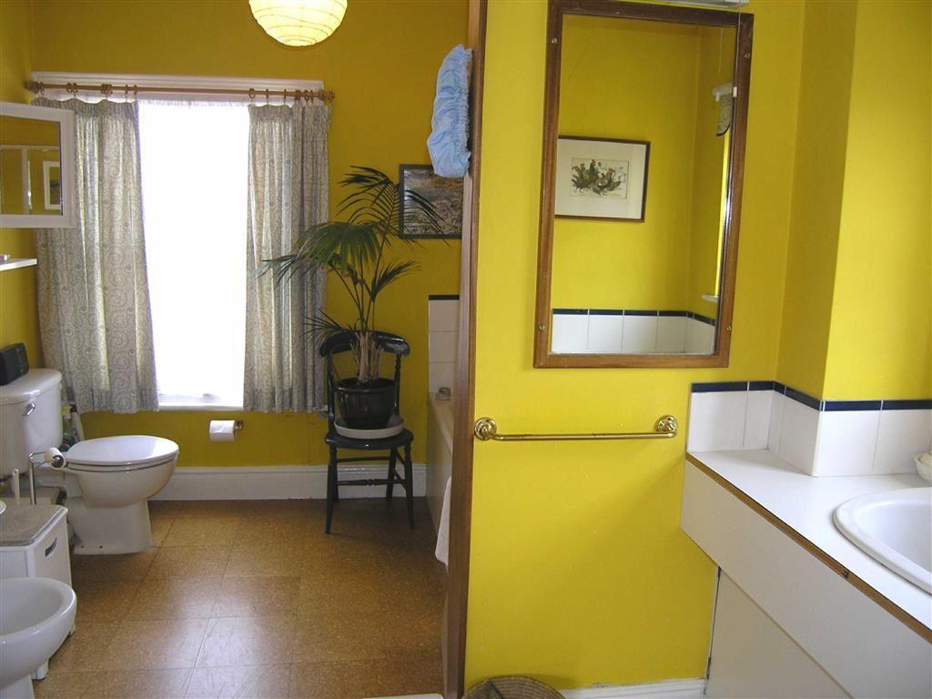 Ensuite/Bathroom one