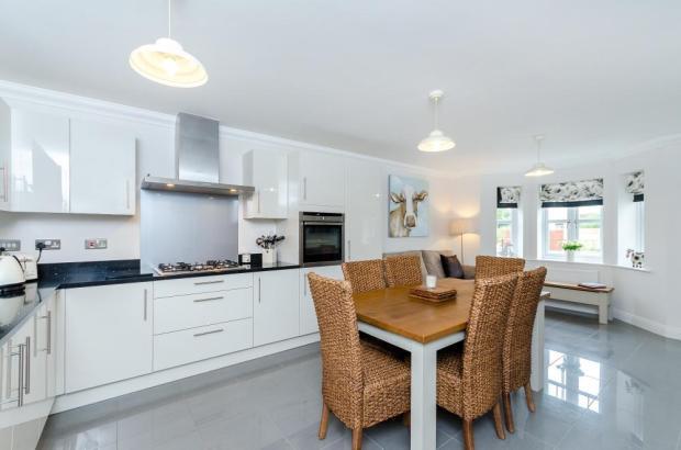 Kitchen/Dining Room2