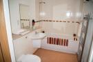 2-bed Bathroom