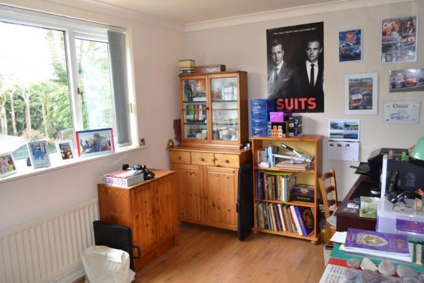 Office / Bedroom 4