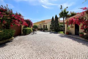 4 bed Detached house for sale in Costa da Caparica...