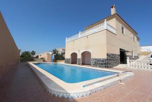 Villa in La Marina, Alicante...
