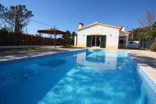 Villa in Vale Da Telha...