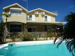 4 bed home in Blue Bay