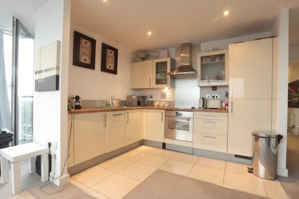 367_SyedFLATIMG_2996 kitchen.JPG