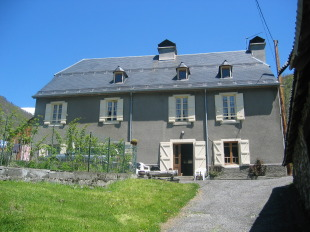 Village House for sale in Midi-Pyr�n�es...