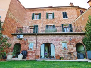 4 bedroom Character Property for sale in Tuscany, Arezzo...