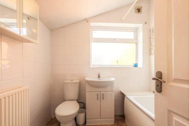 Cowper Bathroom.JPG