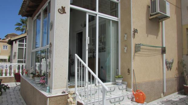 Quad House in Algorfa, Alicante