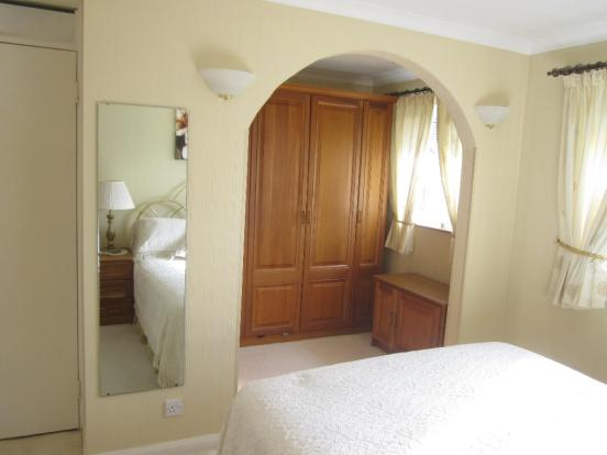 BED 1 DRESSING ROOM